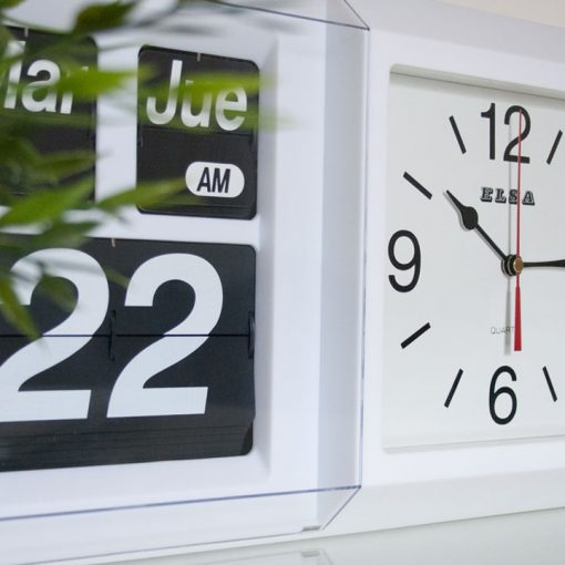 Reloj-calendario FLIP de pared