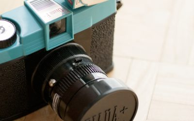 "Discover the Lomo cameras and the philosophy behind the motto: ""Don´t think, just shoot"""