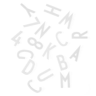 La clave del éxito de los objetos de Jacobsen se encuentra en su diseño elegante y esencial que le dan un atractivo externo.